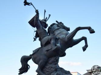 島津義弘公銅像(伊集院)